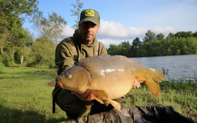 Huge fish at Central Carp! Fantastic venue ->