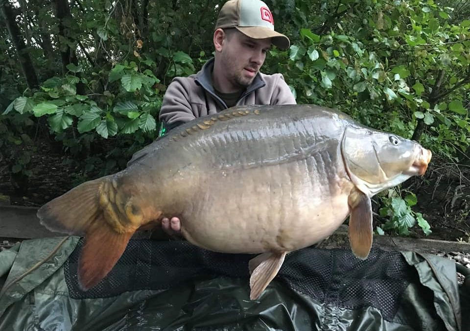 2h from Calais, £240 per angler. Last weeks in Sauvage Lake