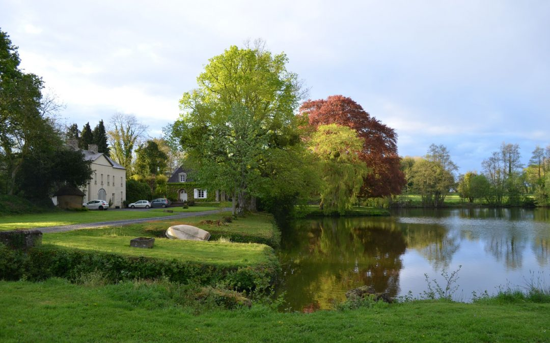 2 acres lake in Normandy